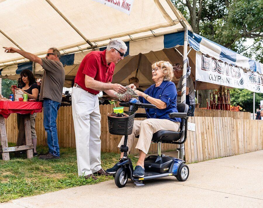Elektriskais mobilitātes skūteris PRIDE GO GO ELITE TRAVELLER® PLUS cilvēkiem ar īpašām vajadzībām, 4 riteņi, 17Ah